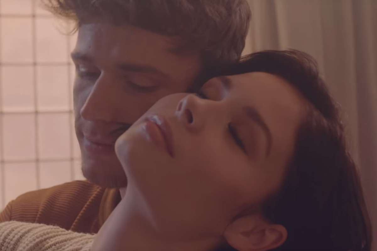 """PREMIERE: Nina Nesbitt is Haunted By Her Ex in New """"The Best You Had"""" Video"""