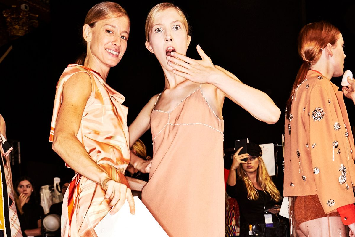 Go Backstage at Lanvin and More Shows on Day 2 of Paris Fashion Week