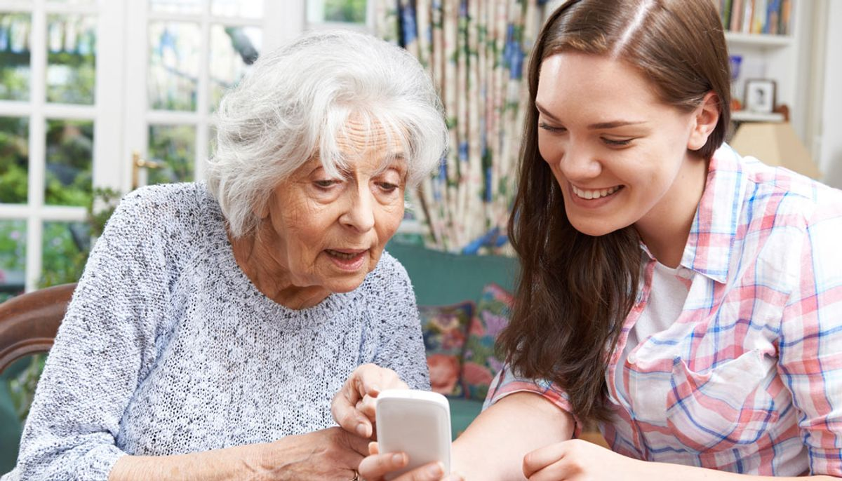 12 Struggles Grandparents Have With Technology