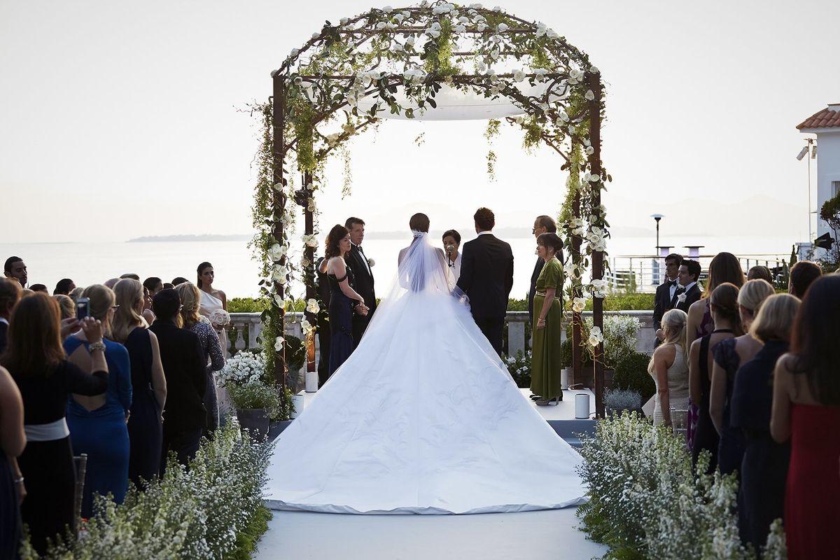 I HATE WEDDINGS