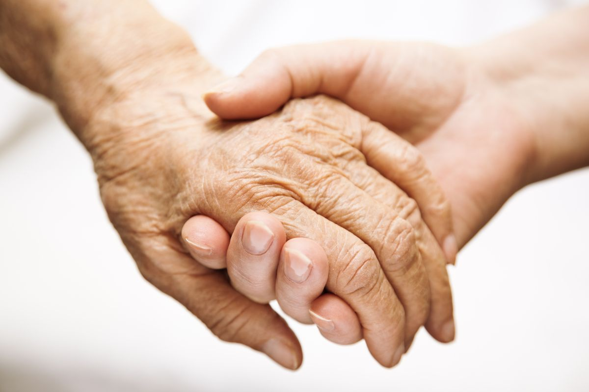 The Greatest Gift we Can Offer Our Dying Loved Ones in Their Final Moments