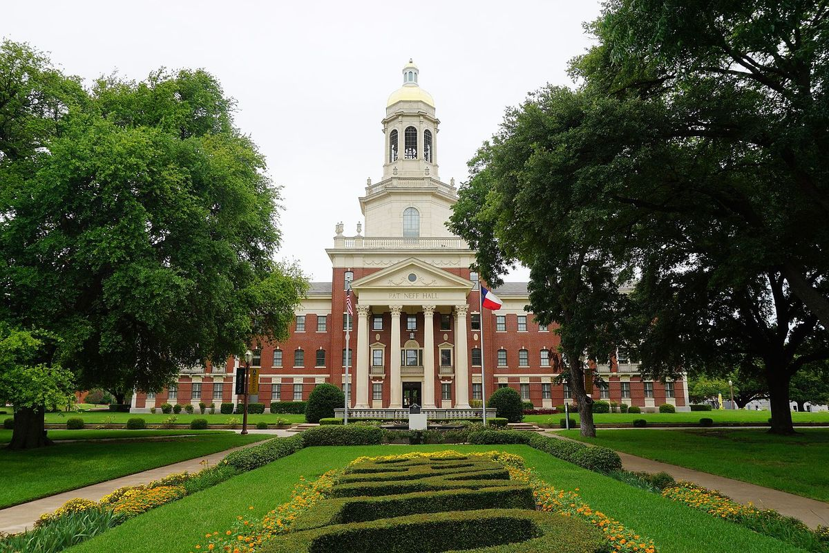 What It's Really Like Going To A Christian University As A Non-Christian