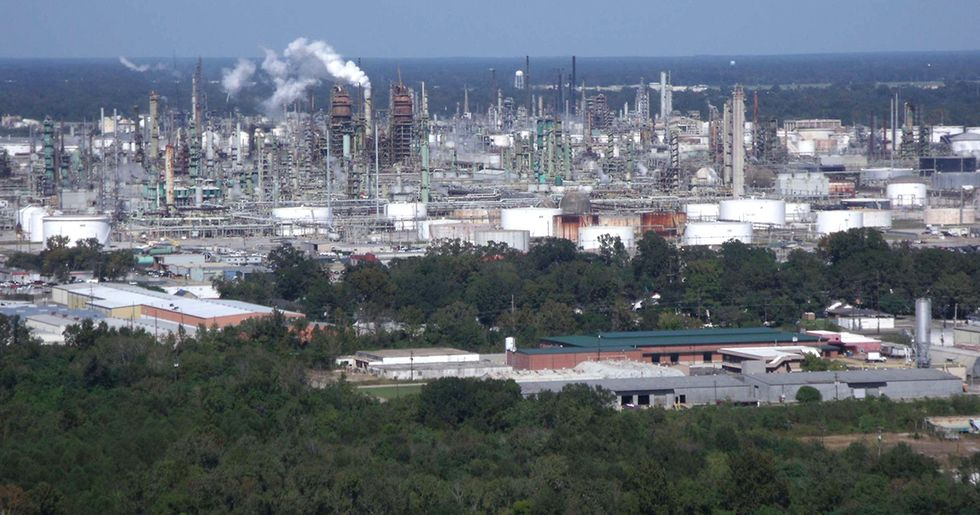 Exxon Settles Air Pollution Lawsuit, Will Pay $2.5 Million in Fines, $300 Million for Technology Upgrades
