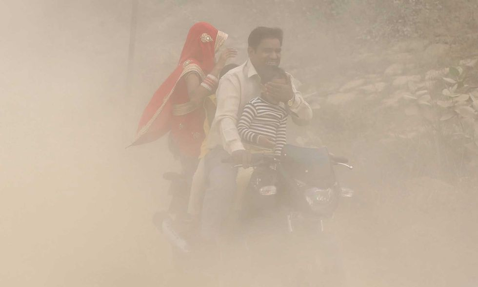 New Delhi Air Pollution Forces Public Health Emergency as Chief Minister Compares City to a 'Gas Chamber'