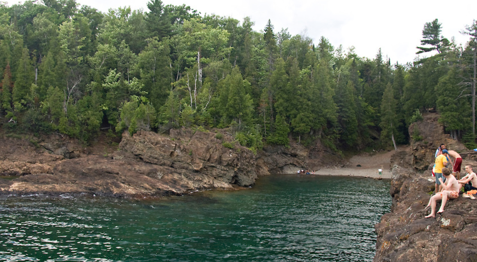 4 Perfect Cliff Diving Spots In Michigan