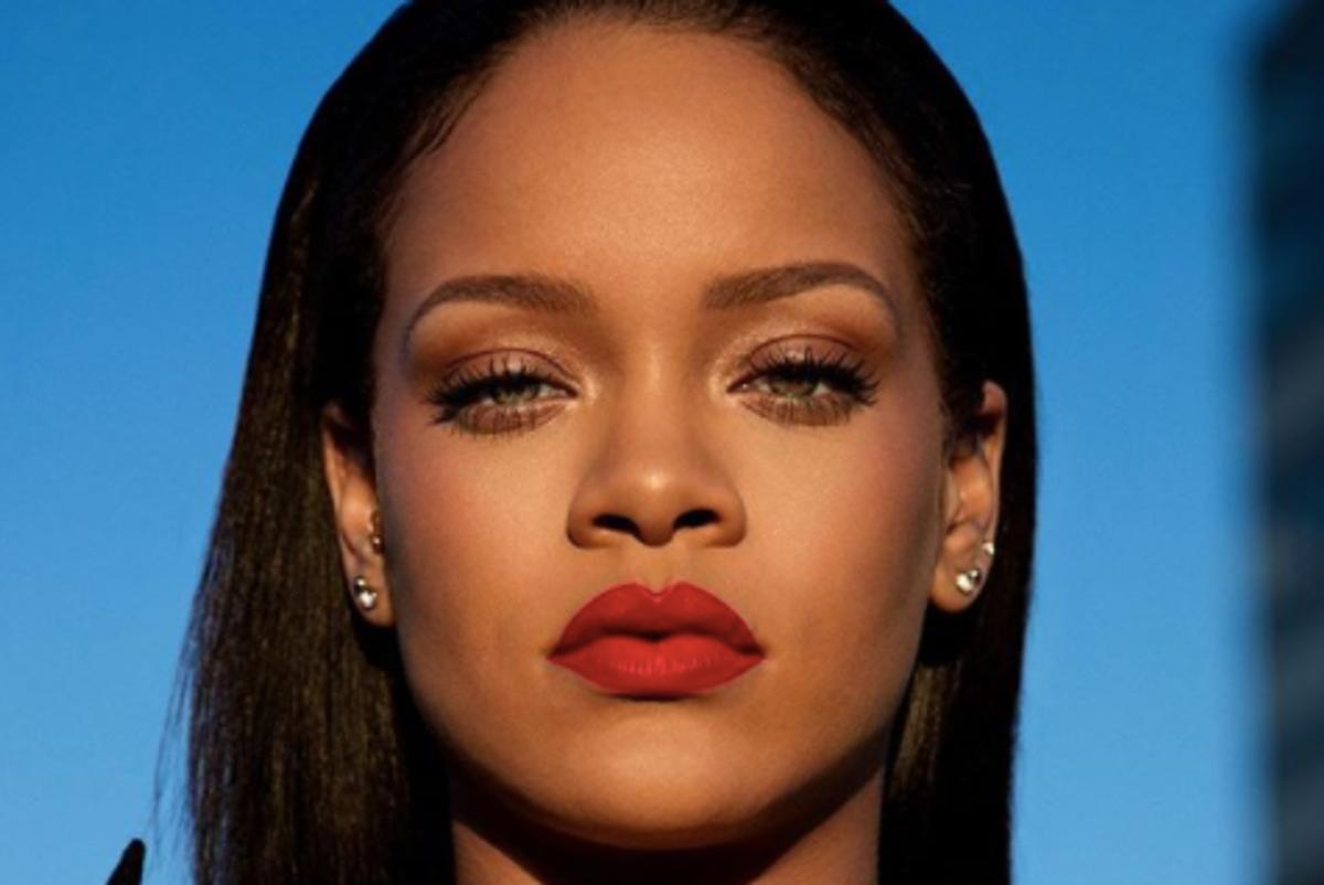 Your New ASMR Is Rihanna Putting on Fenty Beauty Lip Paint