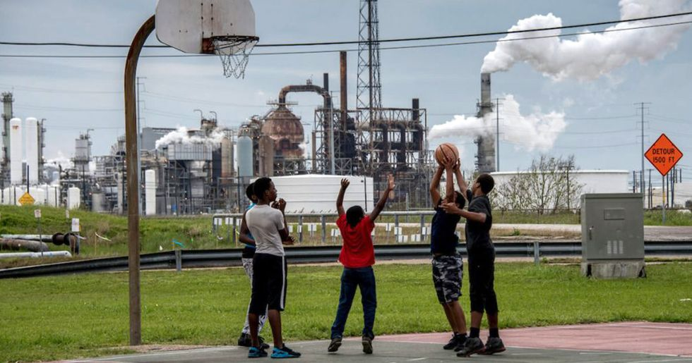 African Americans Disproportionately Suffer Health Effects of Oil and Gas Facilities