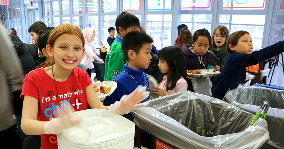 Ditch Plastic Lunches: Stand Up for Zero-Waste Schools