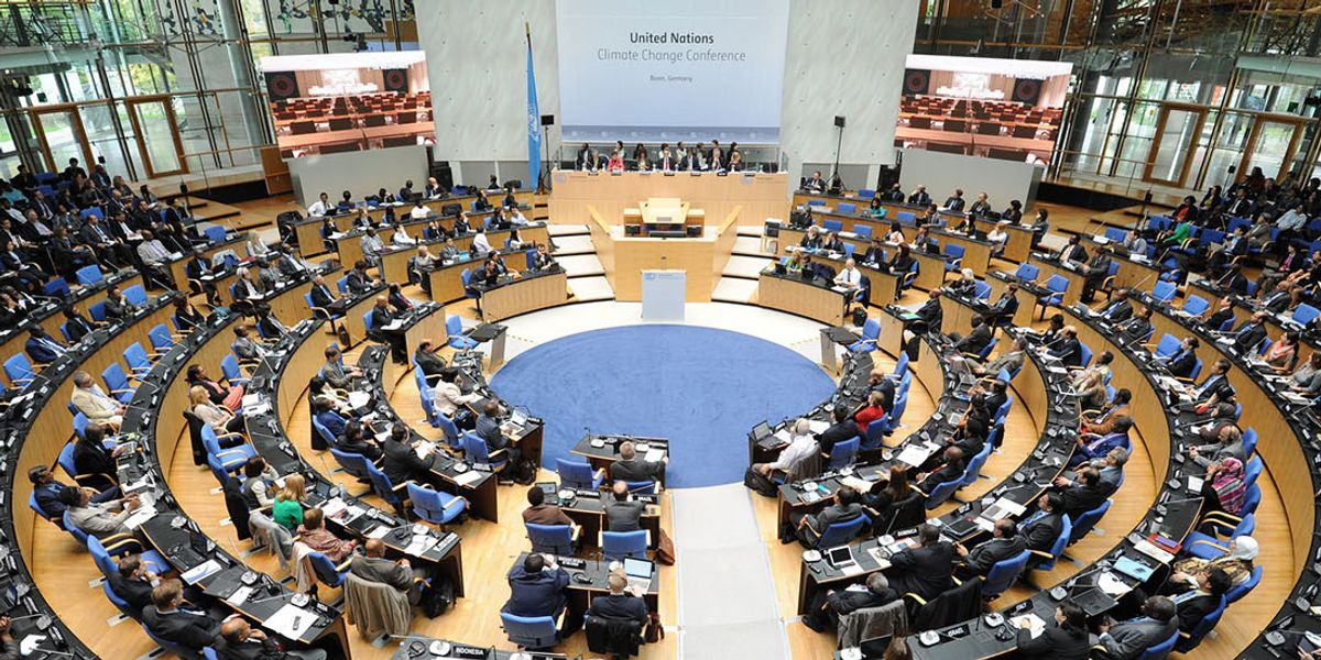 Closing the climate talks, two 'rays of light'