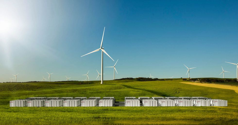 Tesla Finishes Building World's LargestBattery Month and a Half Ahead of Schedule