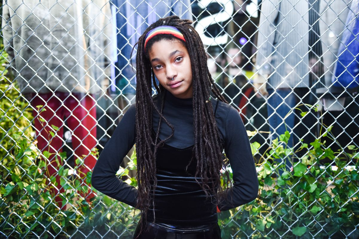 """Willow Smith Says Growing Up Famous Can Be """"Excruciatingly Terrible"""""""