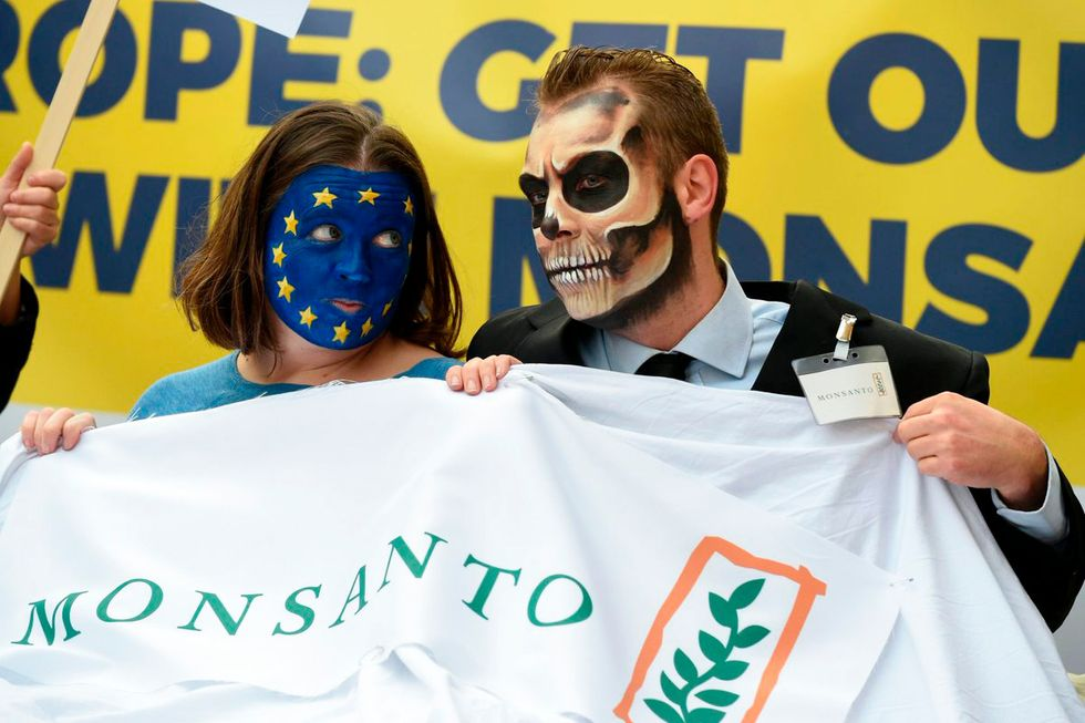 'Historical Mistake': Green Groups Decry EU's Glyphosate License Extension
