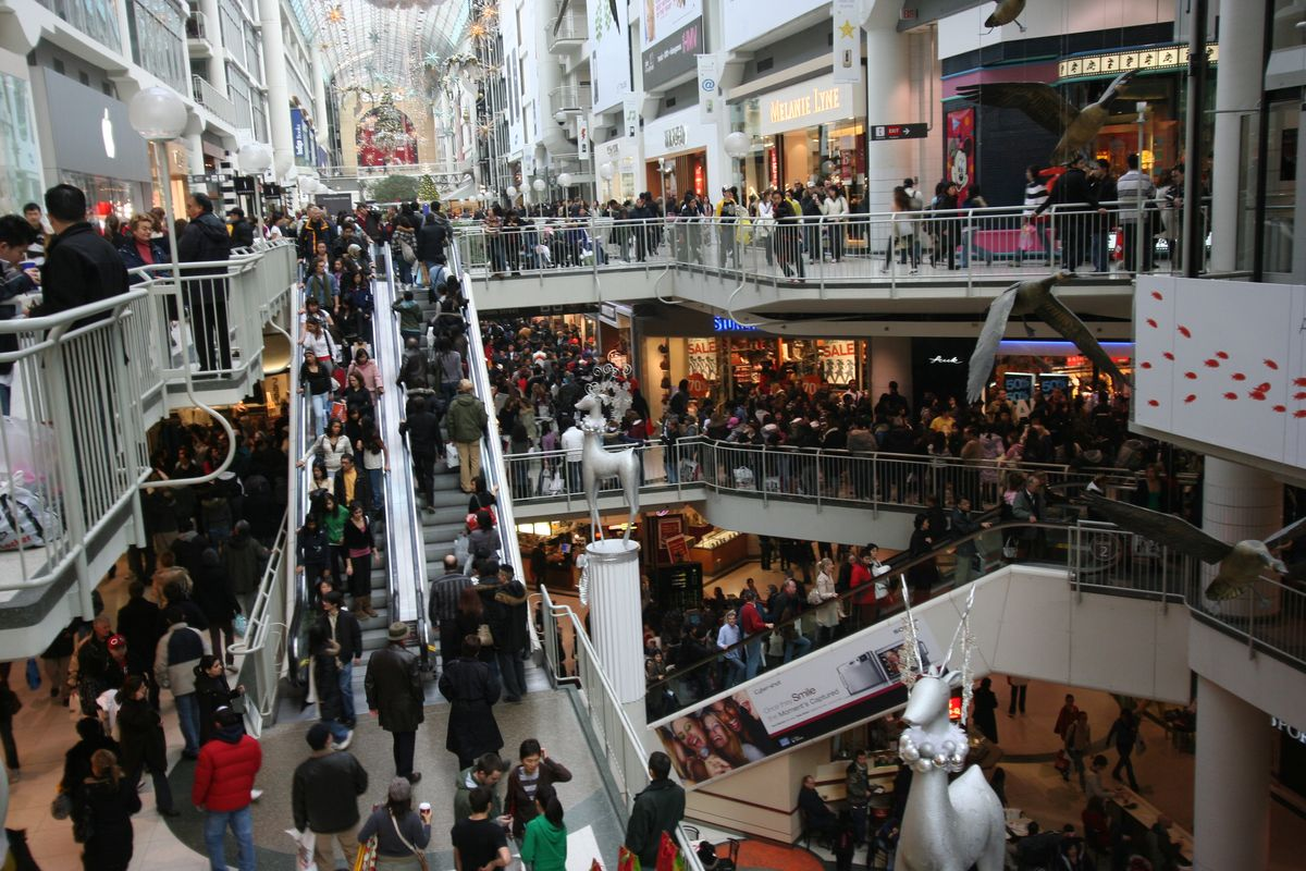 Working In Retail During The Holidays Can Help Your Professional Career