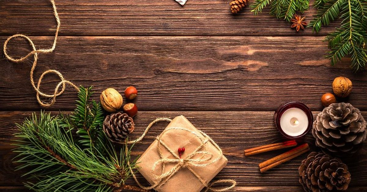 100 Little Christmas Things to Make You Smile