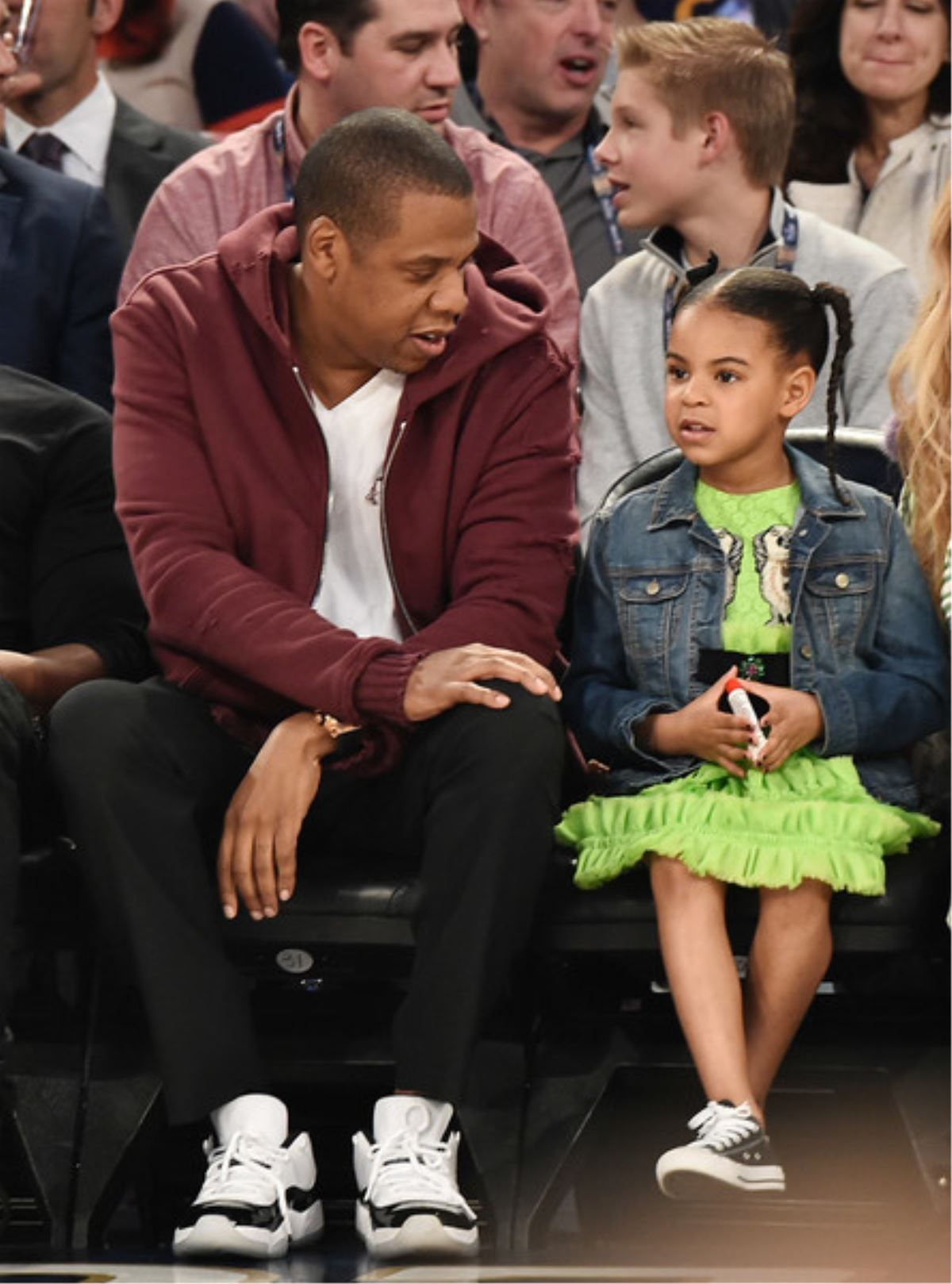 JAY Z APOLOGIZES TO BEYONCE AND ALL WOMEN: DOES HE DO A GOOD JOB?