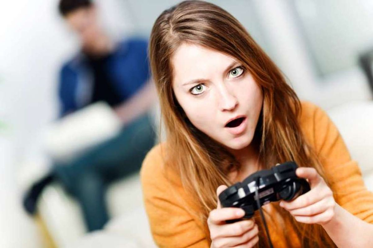 8 Reasons Why Video-gamer Girls Are The Best