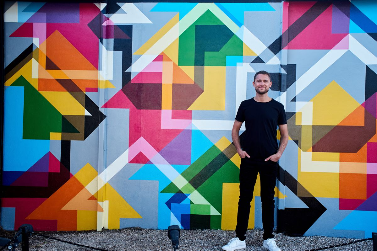 Artist Tavar Zawacki Creates a Mural for Wynwood Walls Art Basel