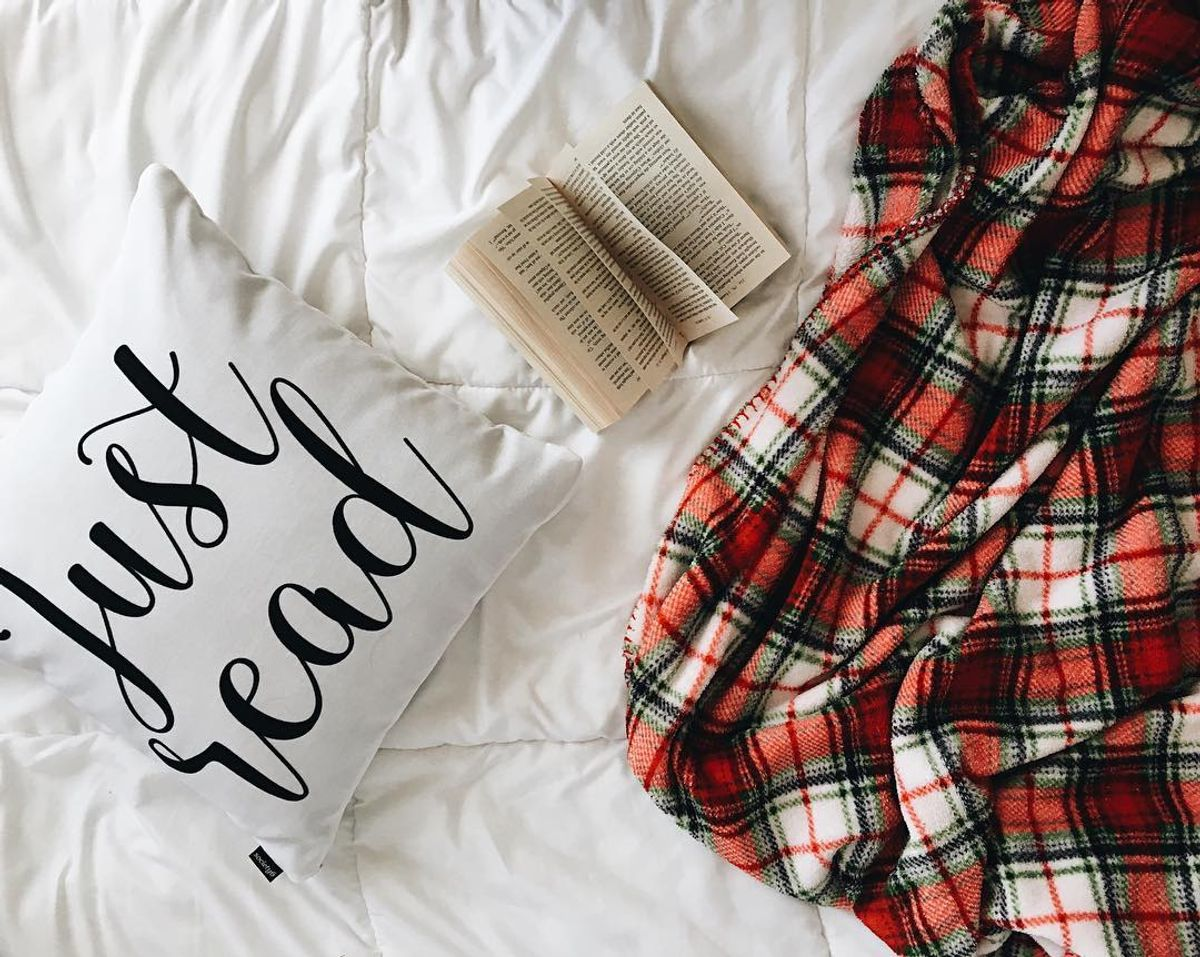 7 Holiday Book & Food Pairings