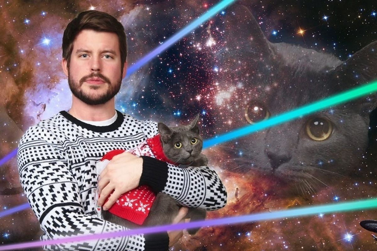 Cat Dad Celebrates Holidays With Kitten Who Chose Him in Parking Lot 7 Months Ago