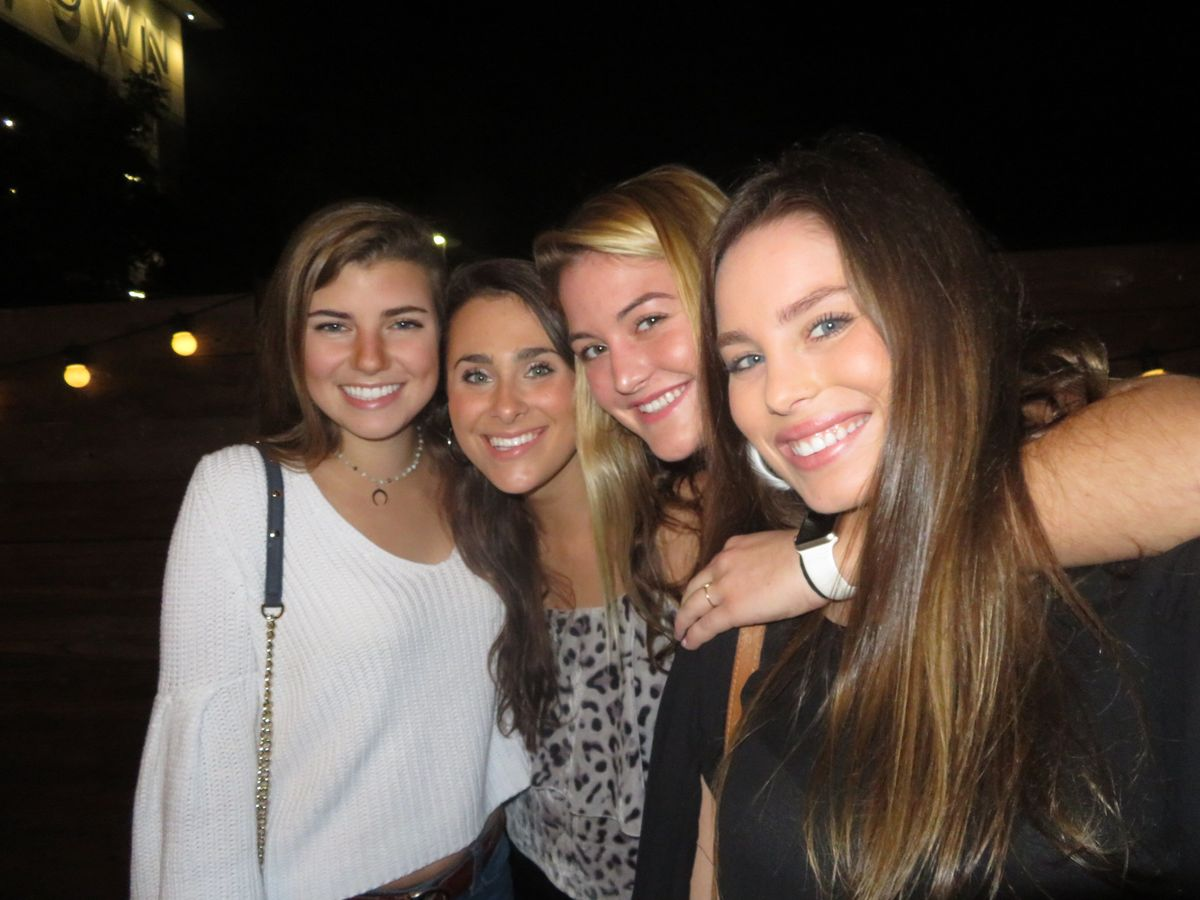 A Letter To My Freshman Roomies
