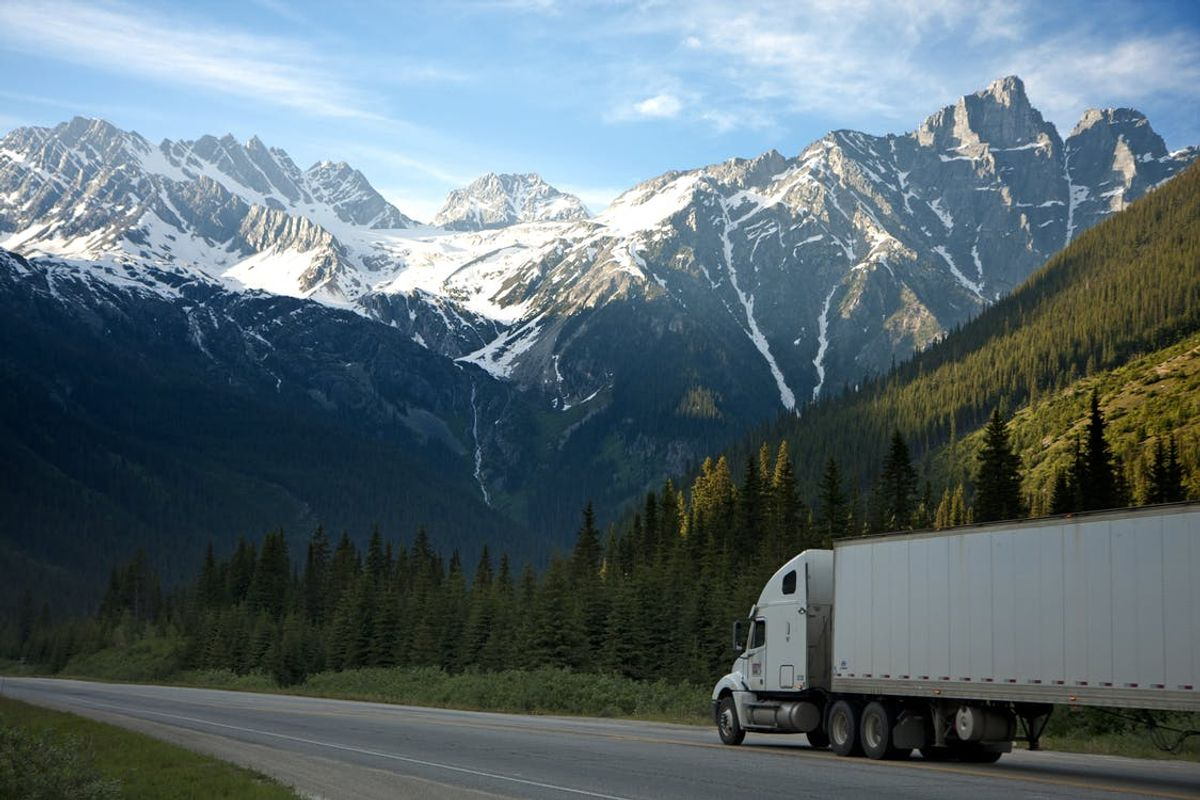 9 Things Truck Drivers Want You to Know