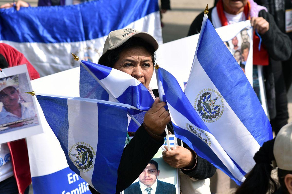 Donald Trump Orders Deportation of More Than 200,000 El Salvadorans