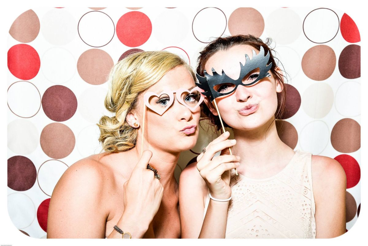 A Guide To Being The Best Bridesmaid EVER