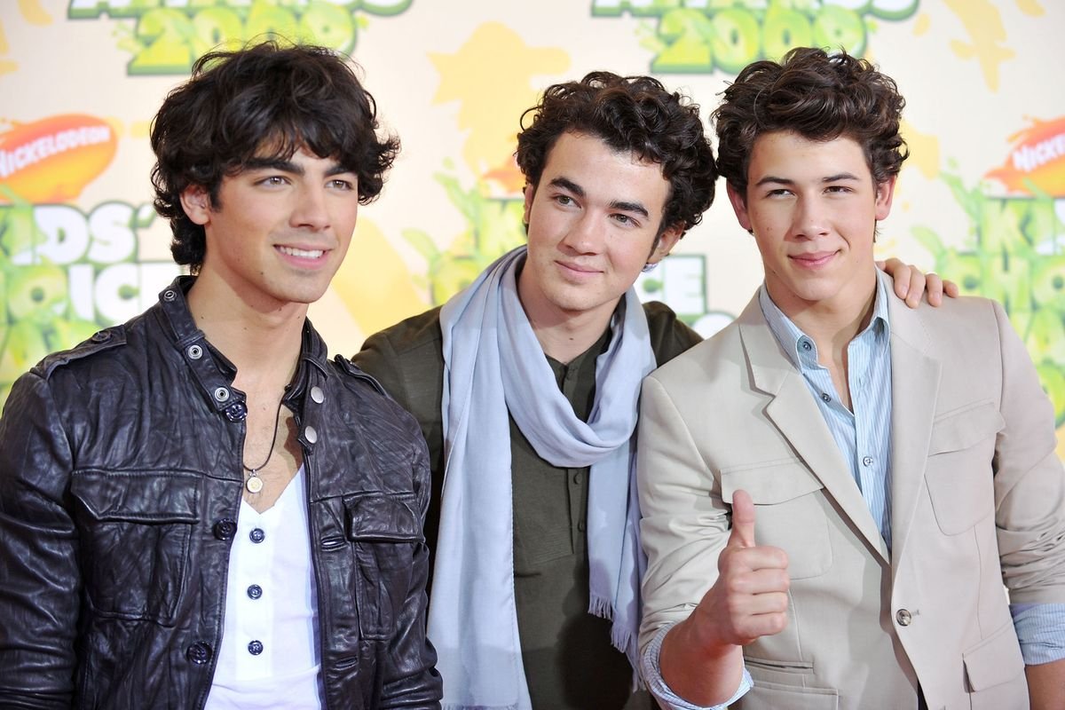 5 Theories About Why the Jonas Brothers Reactivated Their Instagram