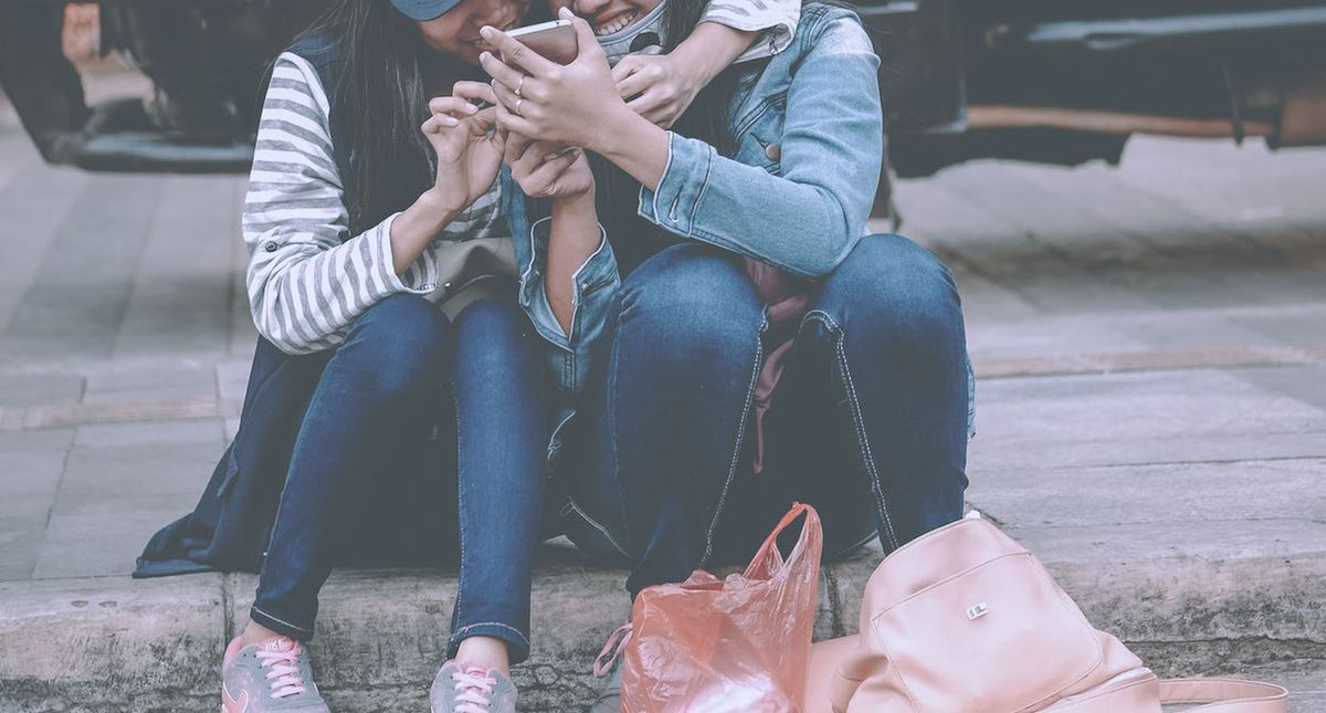 15 Texts That We Have ALL Sent To Our Best Friend About THAT Guy We Like