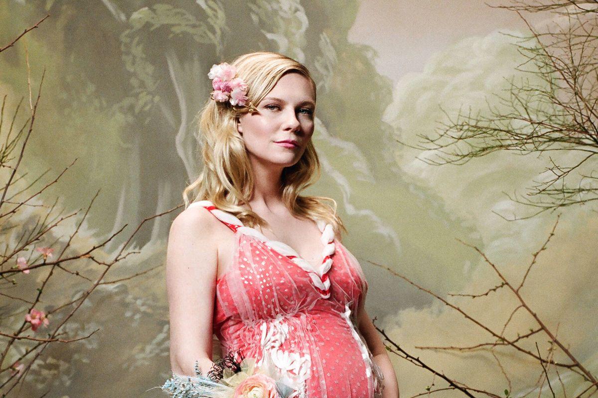 Rodarte Casts Pregnant Kirsten Dunst For Fall '18 Campaign