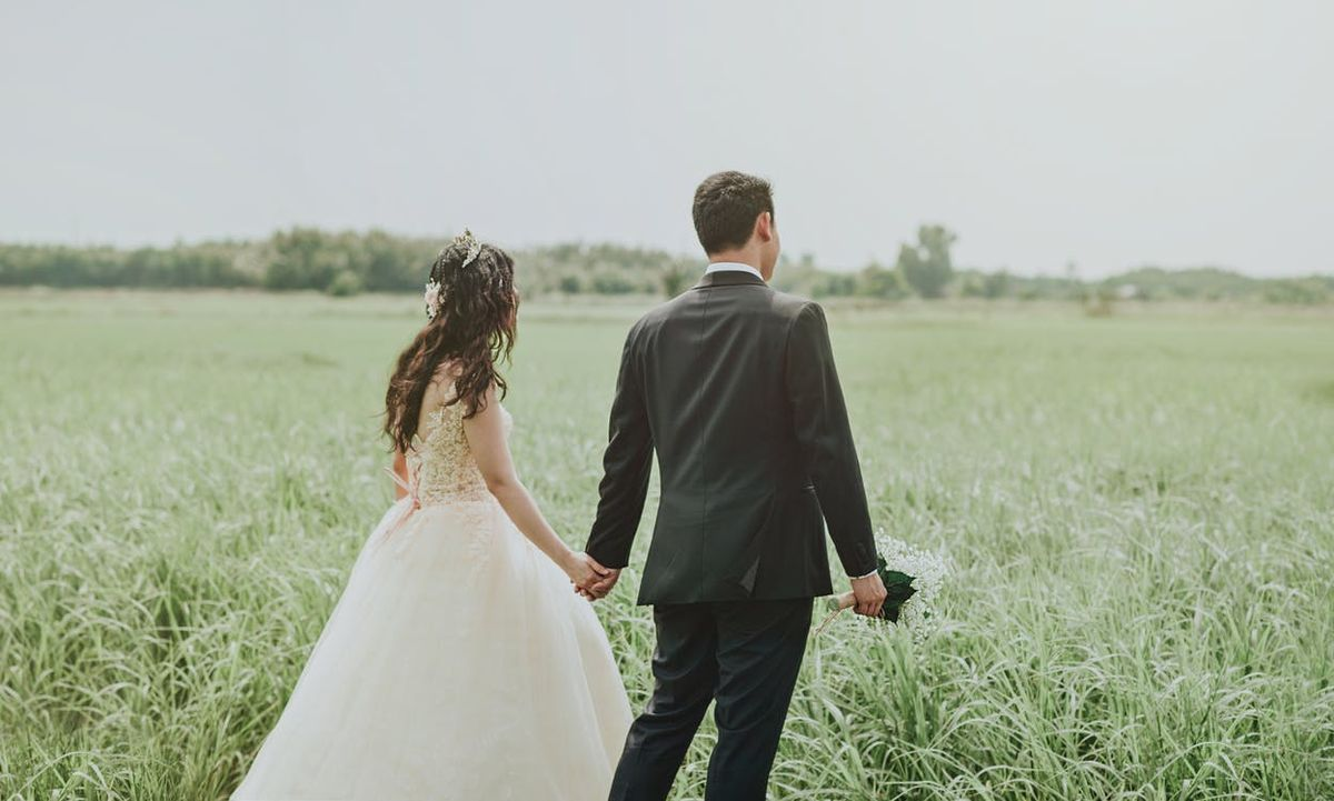 The 8 Best Wedding Songs To Make You Fall In Love All Over Again