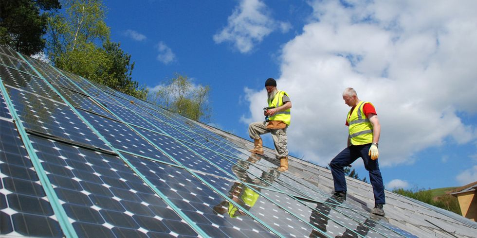 Solar Jobs Fall for First Time Since 2010