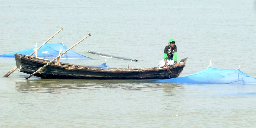 Fishing With Insecticide-Laced Mosquito Nets Is a Global Phenomenon