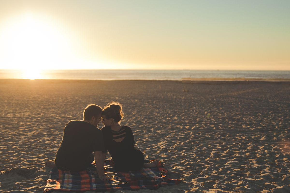 An Introvert's Guide To Dating An Extrovert