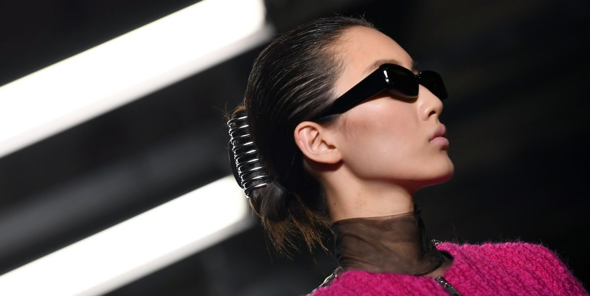 Alexander Wang Shouts Out Corporate Babes With His Banana Clips