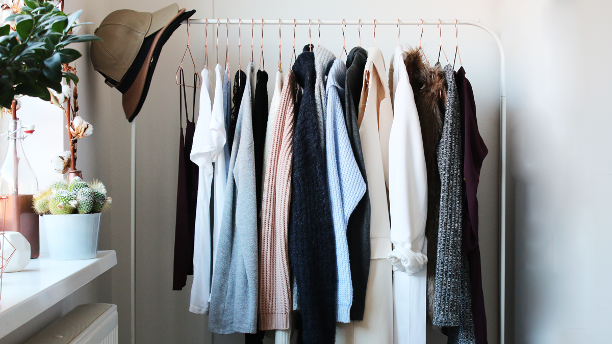 4 Easy Ways To Clean Out Your Closet