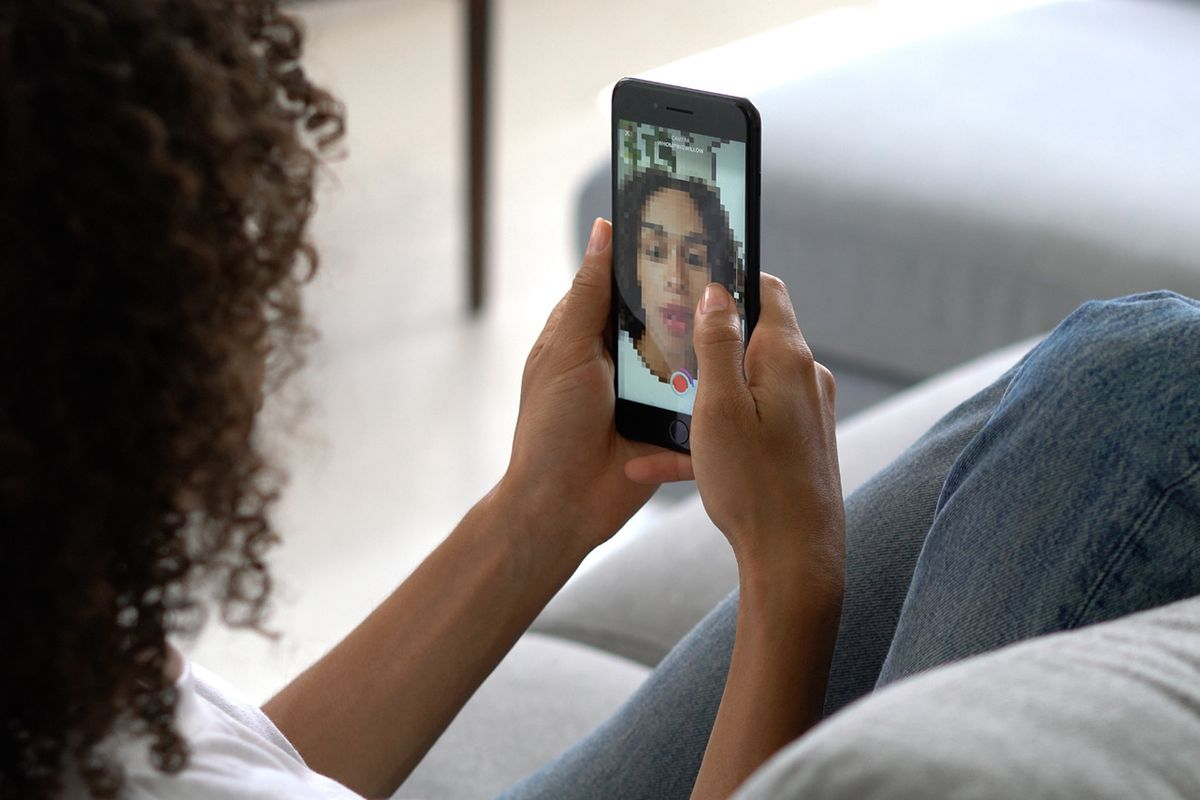 Let's Huddle: How an App is Helping Millennials Feel Less Alone