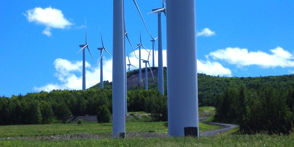 Maine Gov. Claims Wind Turbines Hurt State Tourism, But He Supports Offshore Drilling Expansion