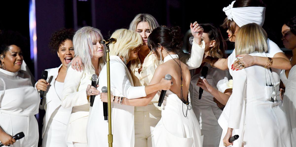Sony Deletes Tweet Congratulating Kesha for 'Praying' Performance