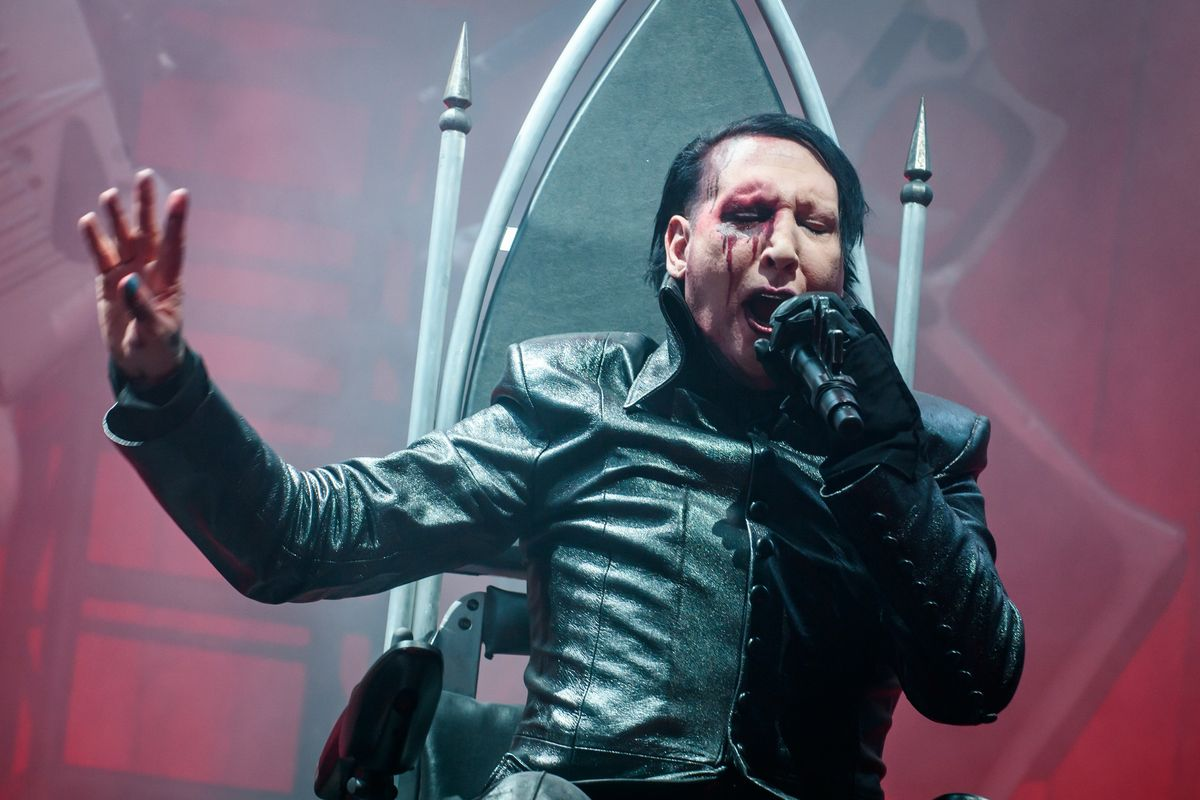Marilyn Manson Has a Meltdown on Stage