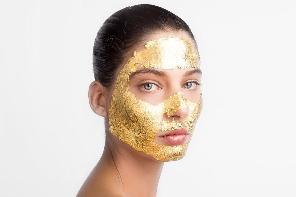 Is the 24K Gold Face Mask Real Luxury or a Gimmick?