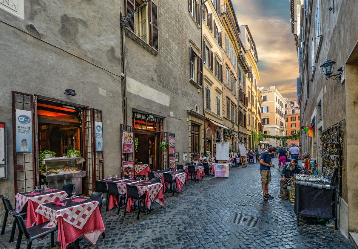 Breakfast on the Streets of Rome