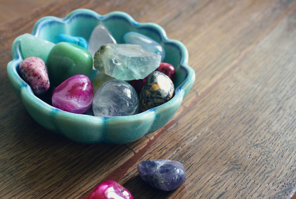 As An Aspiring Geologist, It's Crystal Clear To Me That Crystal Healing Is Bogus