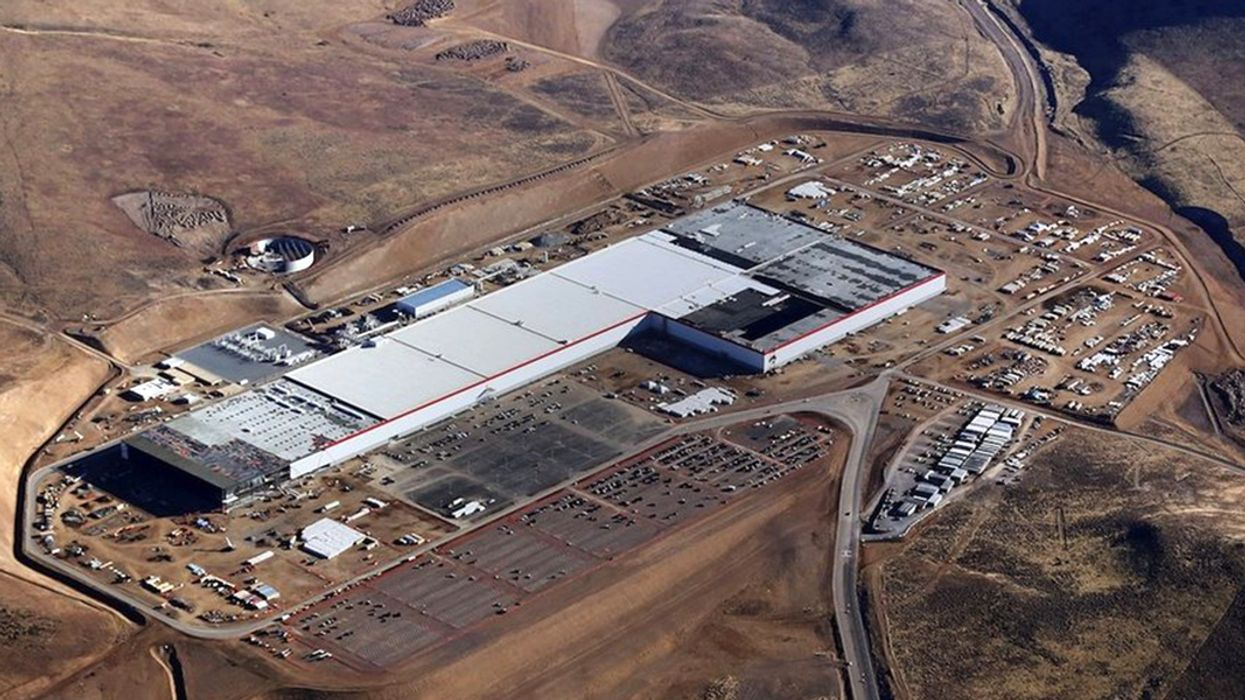 Tesla Installing World's Largest Solar Rooftop on Nevada Gigafactory