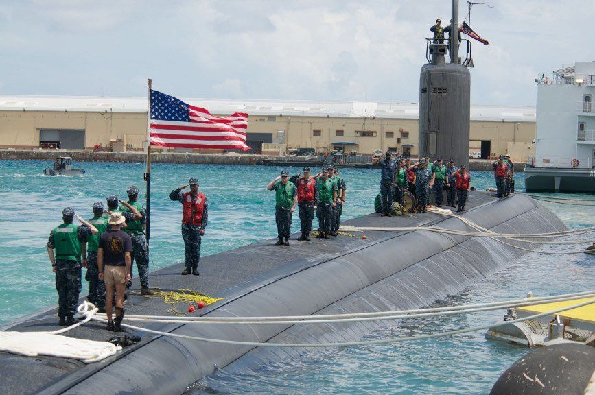 27 Incredible Photos Of Life On A US Navy Submarine - We Are