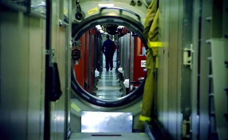 27 Incredible Photos Of Life On A US Navy Submarine - We Are The Mighty