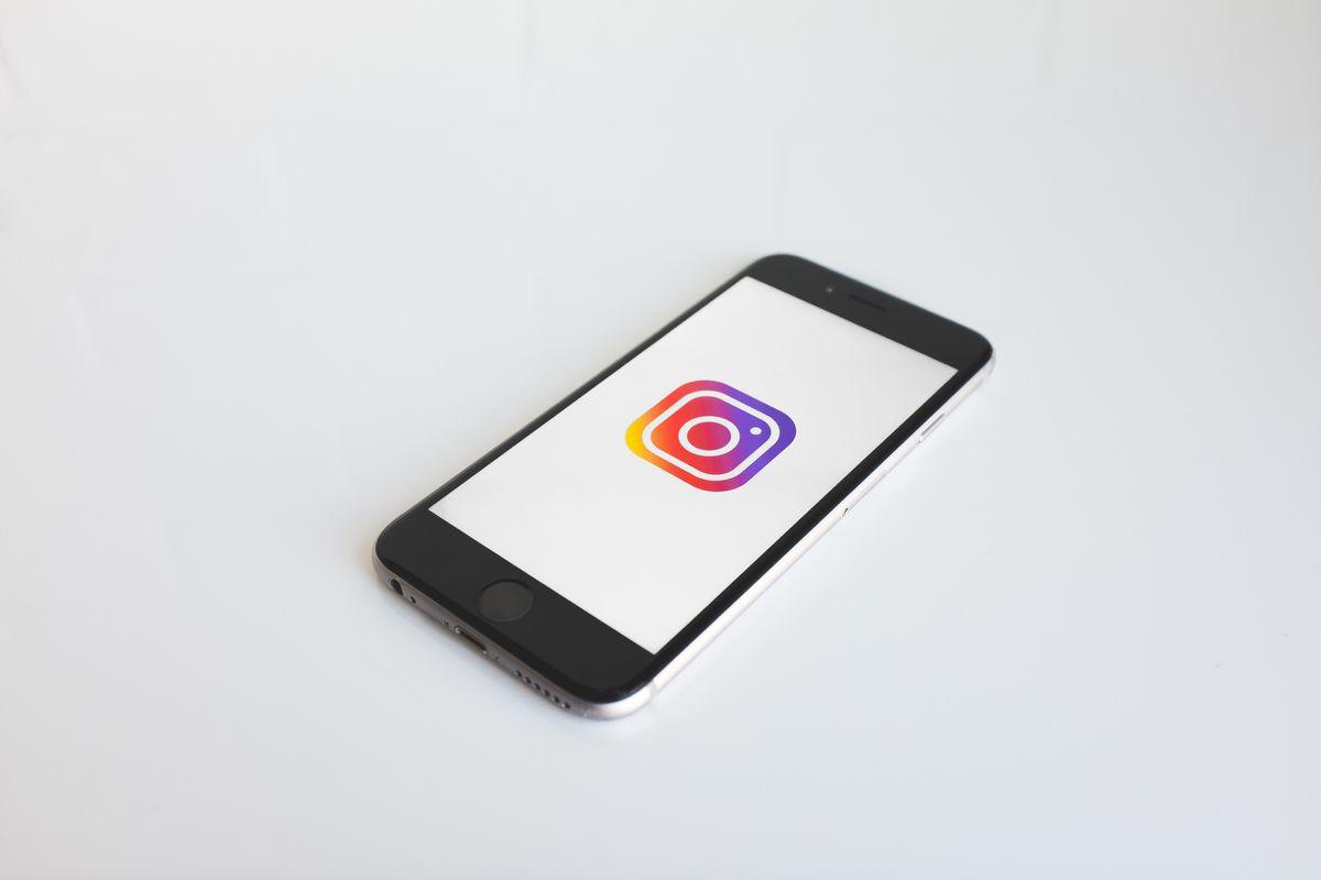 10 Inspiring Instagram Influencers To Follow NOW