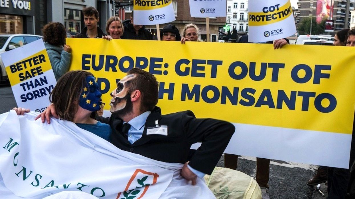 Monsanto 'Commands' Civic Group to Turn in All Communications Over Glyphosate