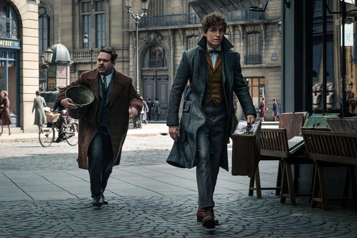 "The ""Crimes of Grindelwald"" Trailer Almost Makes Up For My Missing Hogwarts Letter"