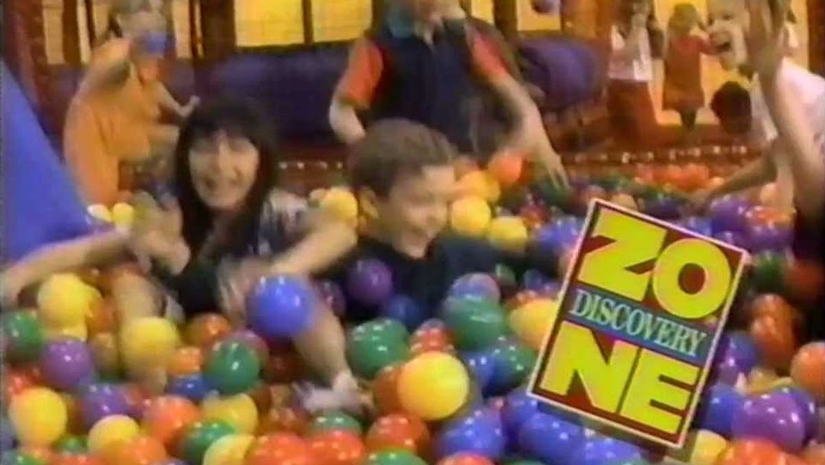 10 Places That You, A '90s Kids, Begged Mom To Drop You Off On The Weekends